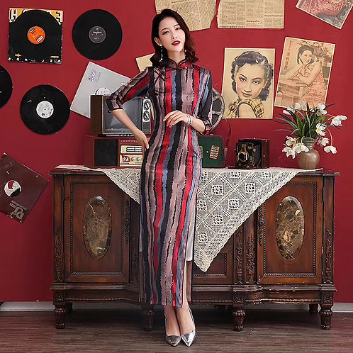 QiPao Dresses with vertical stripes and mandarin collar