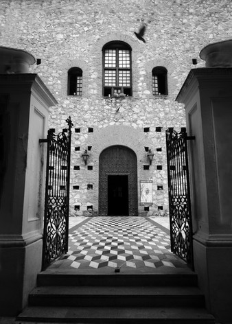 Córdoba Church Courtyard
