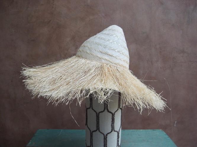 tiki hat