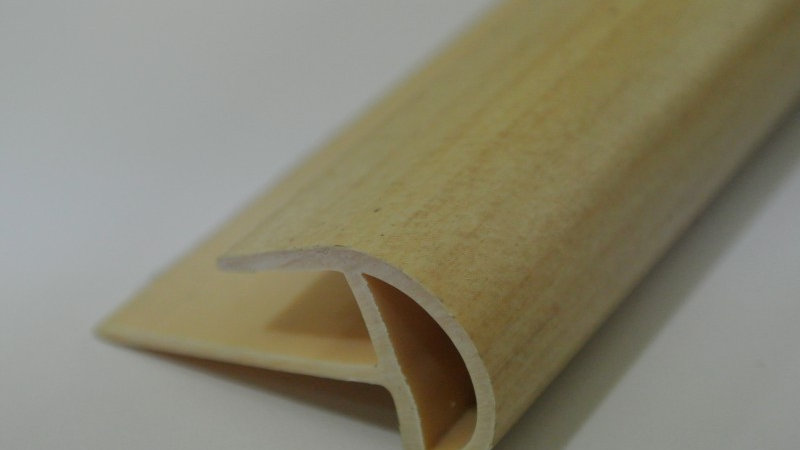 Bullnose (For 8mm panel) Maple
