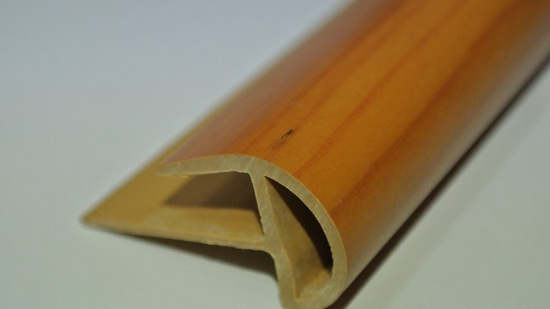 Bullnose (For 8mm panel) Cherry