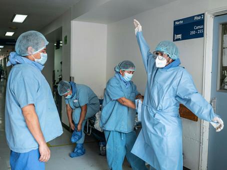 Médicos de México cumplen un año al frente de batalla contra el covid-19