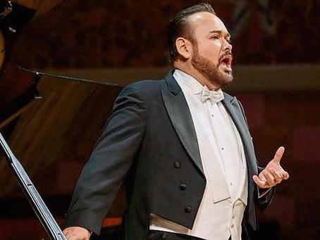 Javier Camarena, es reconocido como mejor cantante en 2021; conoce a este tenor mexicano