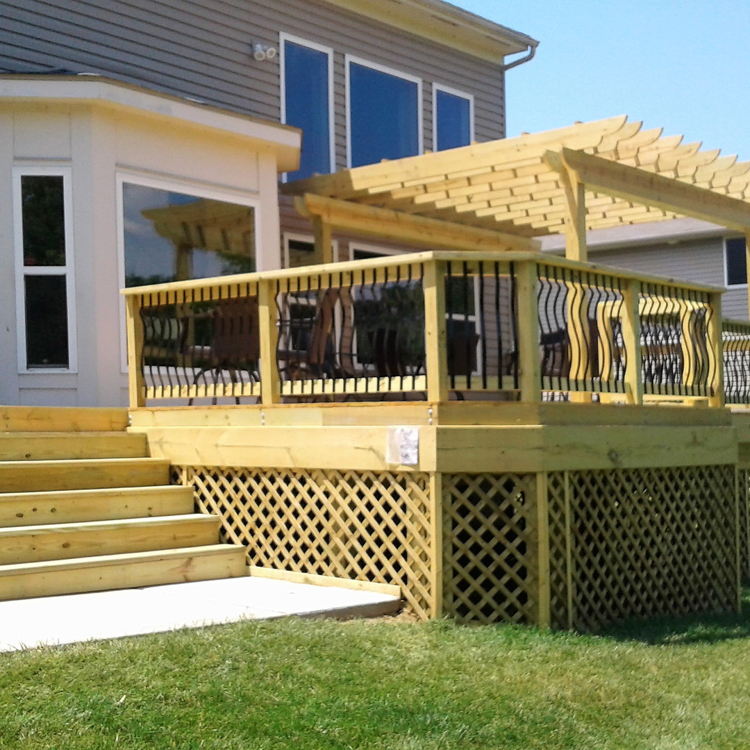 Wood Deck & Pergola with Baroque Aluminum Balusters