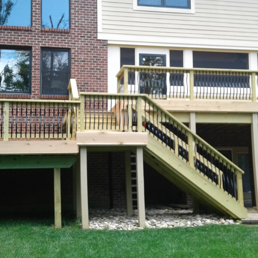 Wood Deck w Baroque Aluminum Balusters
