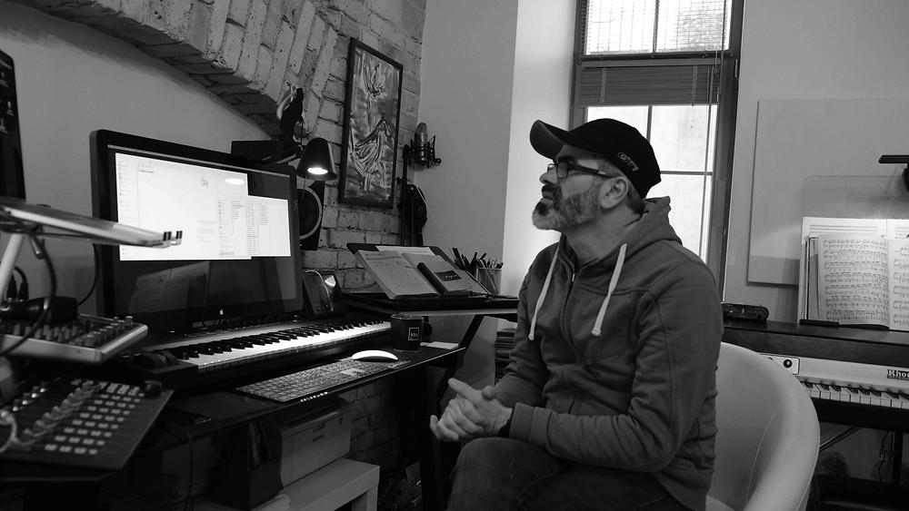Antanas Jasenka savo studijoje. Artis Dzerve (Latvija) nuotrauka