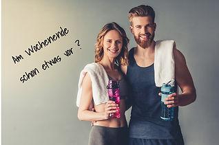 Junges Paar beim Fitnesstraining