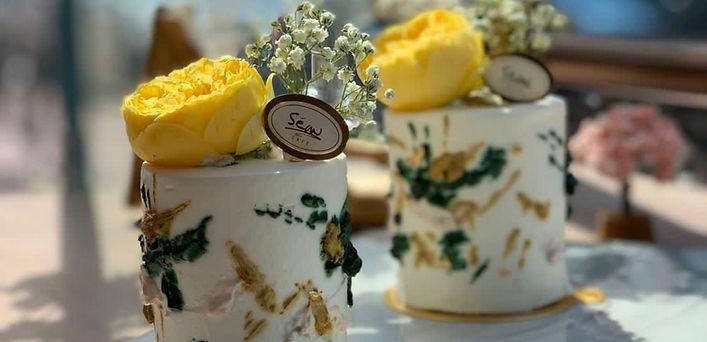 sean_cafe_cake.jpg