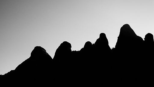 Perfil de parte de la Sierra de Monserrat