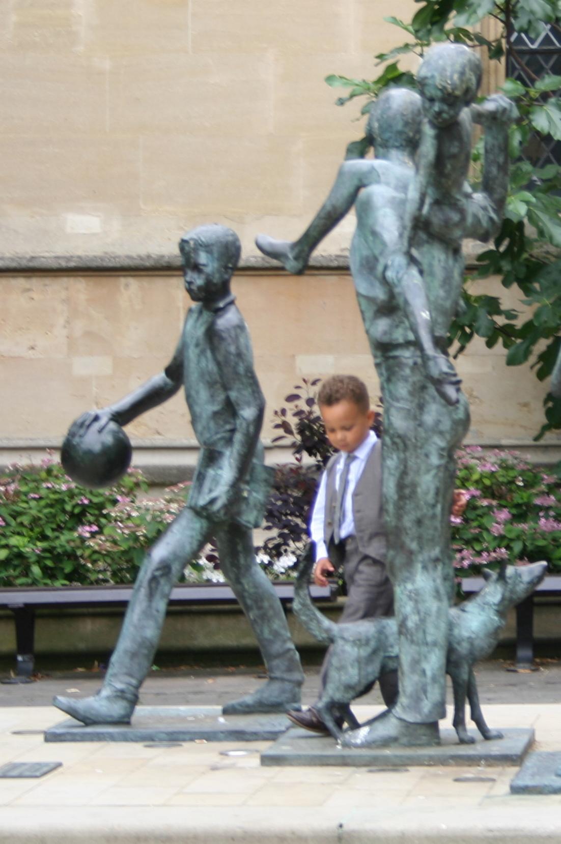 127_statues.jpg
