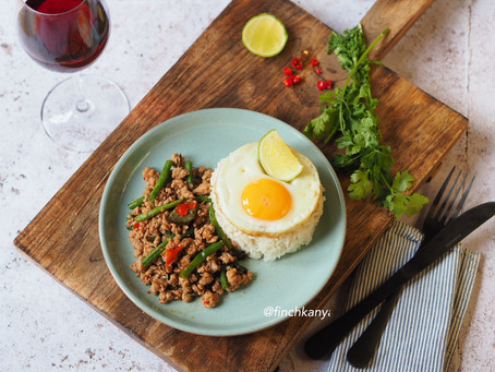 Pad Krapao ( Stir fry minced pork with Thai basil