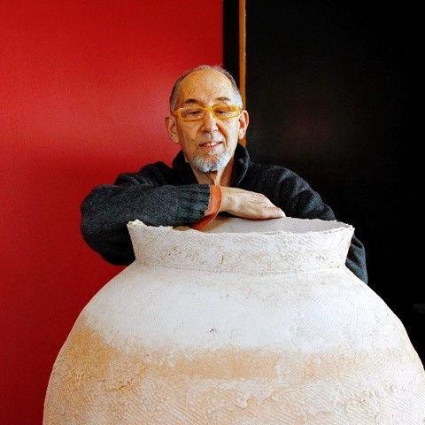 Jeff Shapiro and urn.jpg