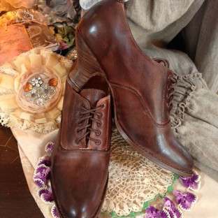 Granny Shoe