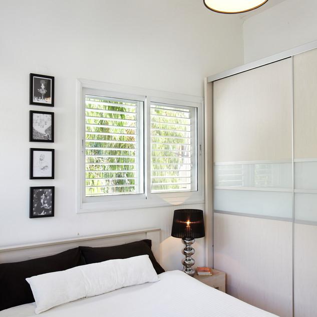 ארון חדר שינה.jpg