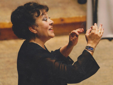 Darena Popova (choir conductor)