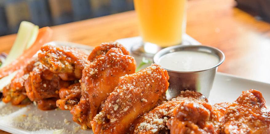 des moines beer and wings.jpg