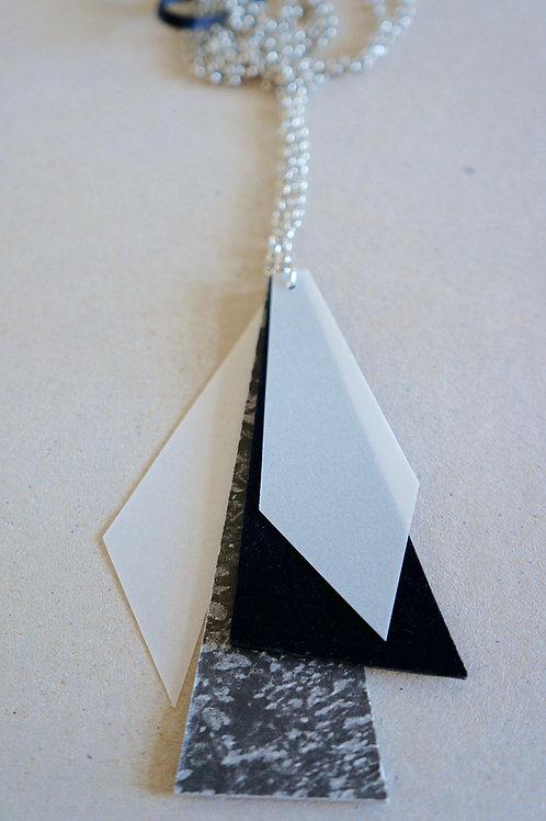 náhrdelník PRECIOUS PAPER