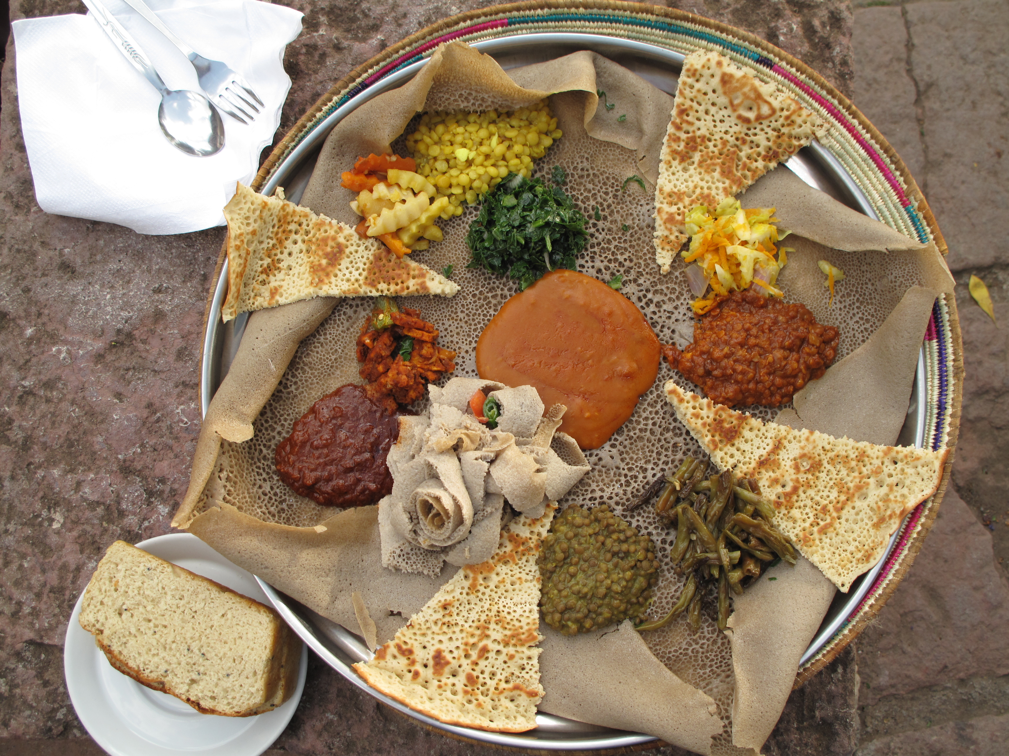 Injera_(during_Easter_Time,_Lalibela,_Ethiopia) (1)