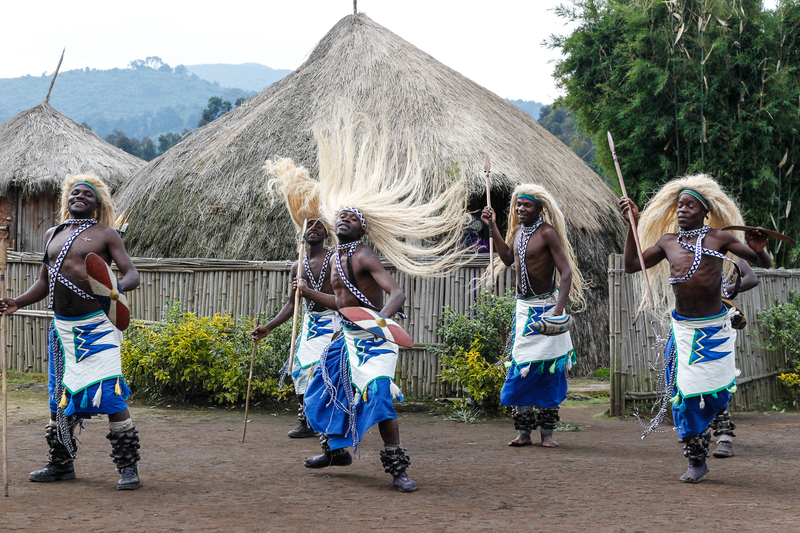 C.Culbert_Rwanda-Cultural_dancers_show-2