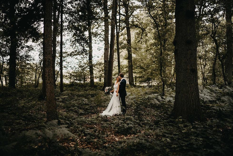 Trouwfoto's in het bos