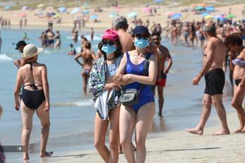 La Xunta obliga el uso de mascarillas en las playas