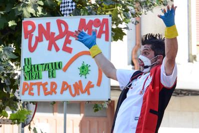 Actuación de Peter Punk en el Festival Revenidas (Vilagarcía de Arousa).