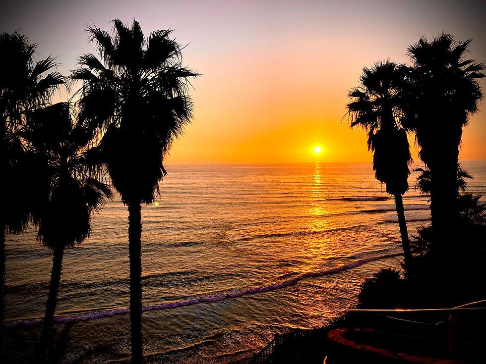 swamis-sunset-gold-5556-1800.jpg