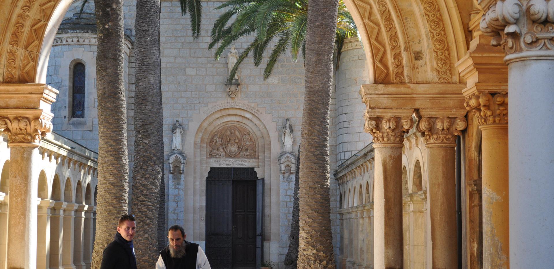 Kirkeindgang