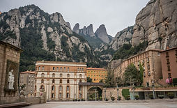 montserrat_monastery_spain_travel_archit