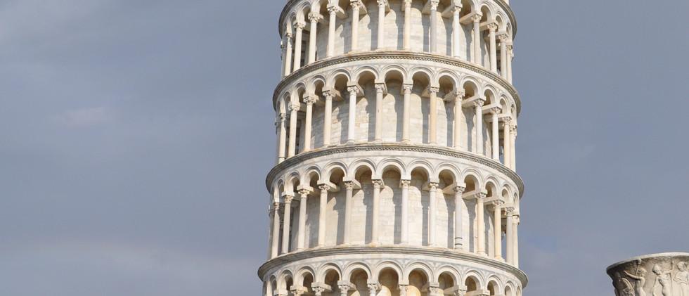 Det skæve tårn i Pisa.