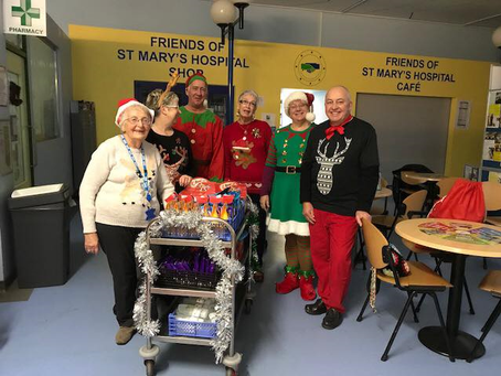 Patients and Staff Receive Christmas Gifts from Friends