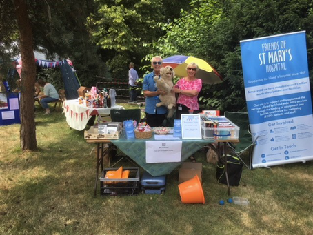 Friends enjoy NHS 70th Anniversary Fete in Hospital Grounds