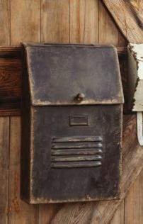 Vintage Style Mailbox