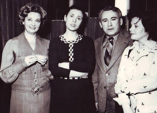 ...Анной Шиловой,  Валентиной Толкуновой  и женой Натальей