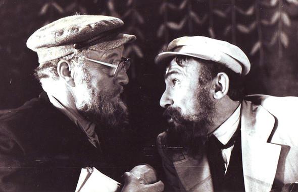 ...Михаилом Ульяновым (слева)