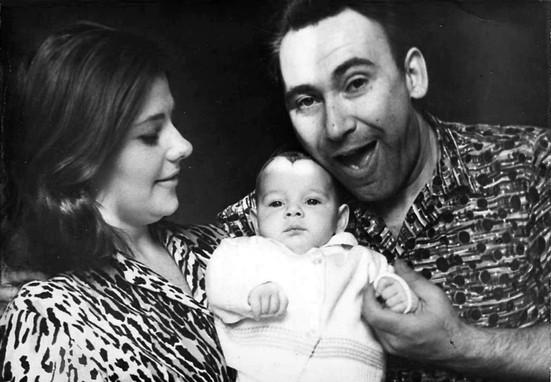... с женой Наташей и дочкой Лизой
