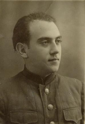 ЮНОСТЬ: Владимир Хвойницкий