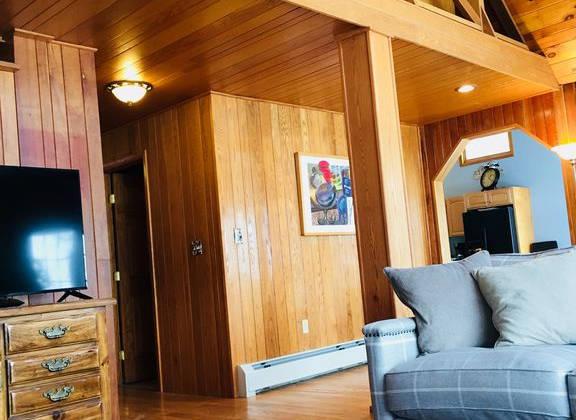 Lakehouse_livingroom6.jpg