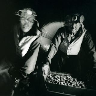 Micheal Moore & Reg Knapper - London Underground Cleaners 1992 ©Gillian Allard