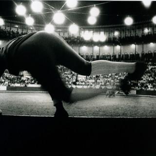 Fecardos jumping into the bullring - Camp Pequano, Lisbon, Portugal 1991 ©Gillian Allard
