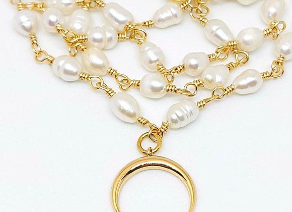 """""""Lunula aurea"""" römische Kette mit Süßwasser Perlen"""