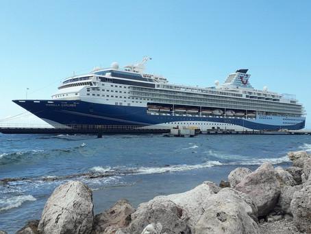 Marella Explorer 2 op Curaçao