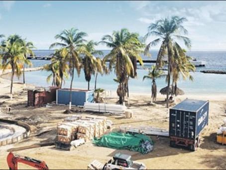 Constructie Corendon Beach Resort Curacao in volle gang