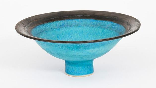 'COOPER BLUE' PORCELAIN BOWL IN AUCTION