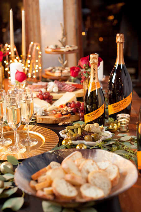 Holiday Celebrating with the Perfect Prosecco | Mionetto 🥂