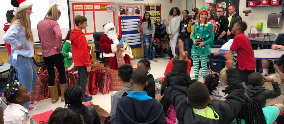 Palm Beach Gardens High School Hope for Holidays adopts 370 children at Lake Park Elementary 🎅🎄🎁