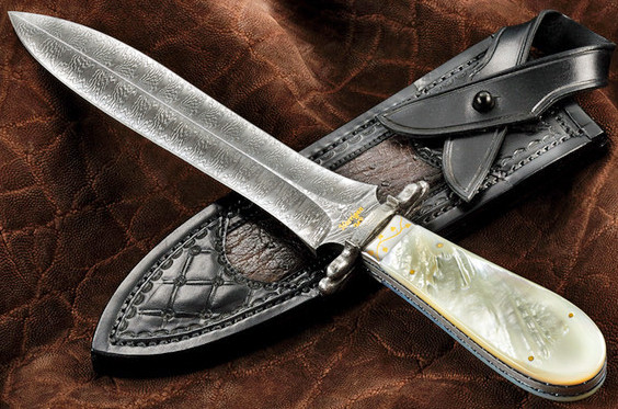 Explosion Pattern Damascus Dagger