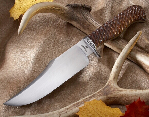 HUNTER'S BOWIE w/ Fluted Handle