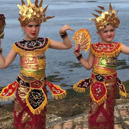 Little Latin Lover & zijn Balinese zussen