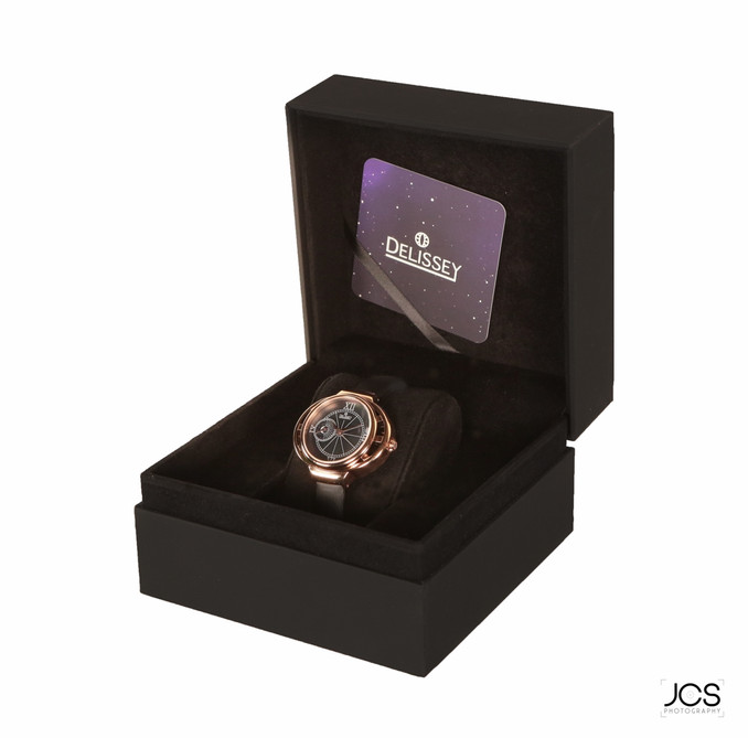 Boitier - Carrure Dorée - Bracelet Noir.jpg